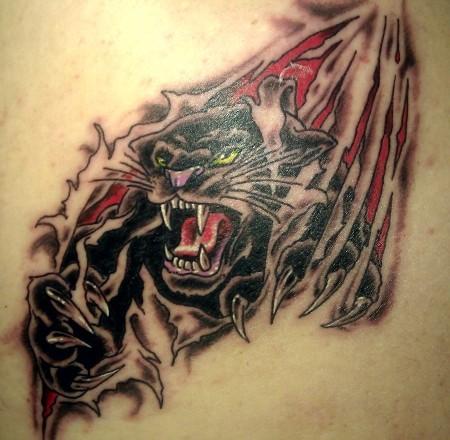 背部皮肤撕裂黑豹纹身图案