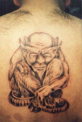 背部石像鬼个性纹身图案