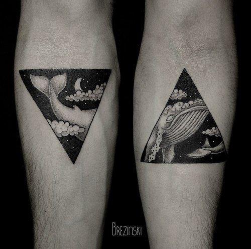 可爱的黑色鲸鱼三角型小臂纹身图案
