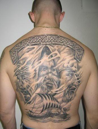 背部纳维亚海神和海盗船纹身图案