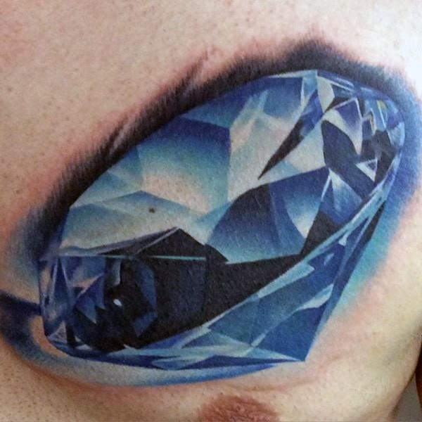 胸部逼真的蓝色纯钻石纹身图案