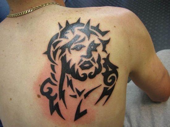 背部黑色简约耶稣纹身图案