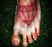 腳背血腥鉆石割肉紋身圖案