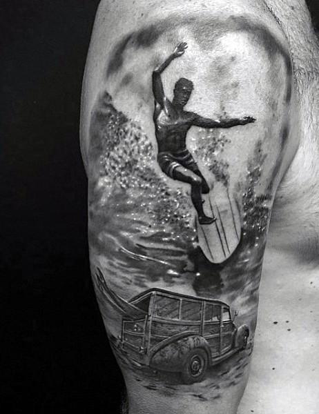 手臂有趣的复古汽车和黑色冲浪选手纹身图案