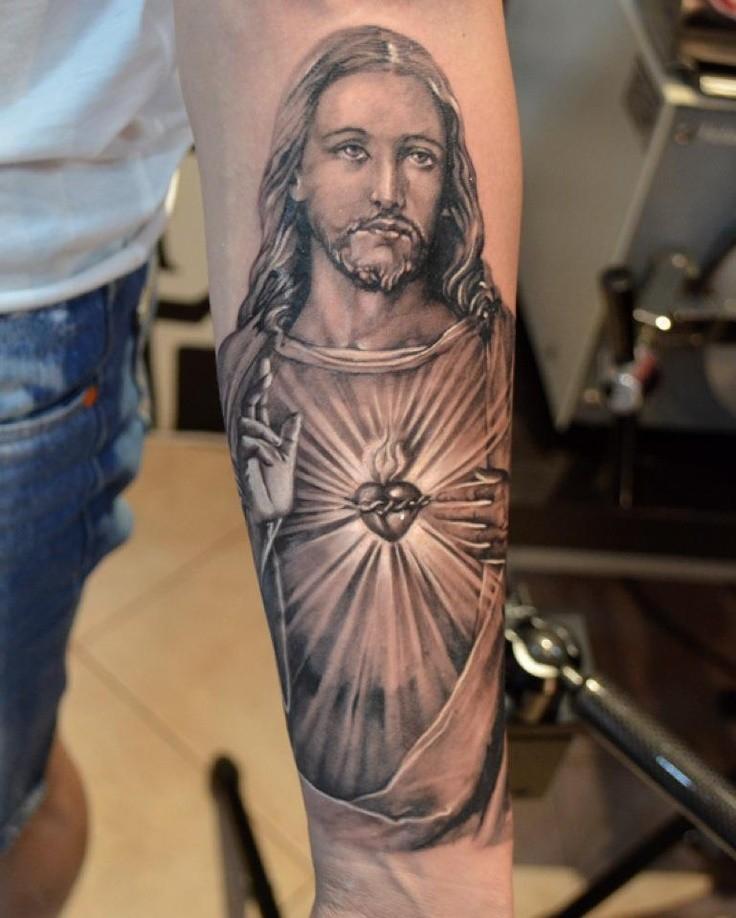 美丽的耶稣肖像圣心纹身图案