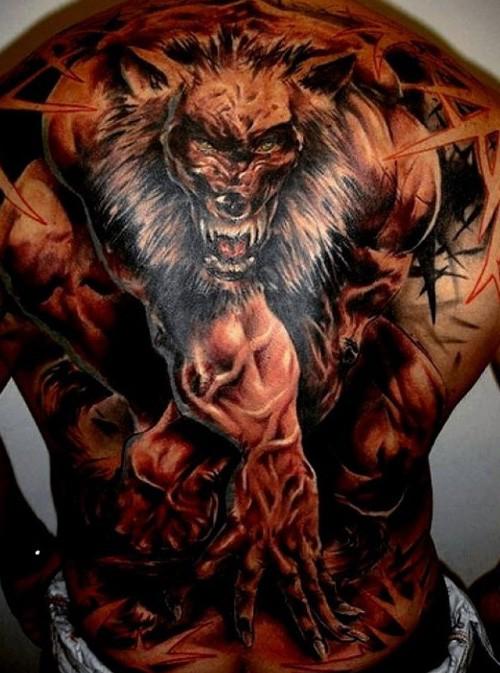 背部new school彩色邪惡強大的狼人紋身圖案