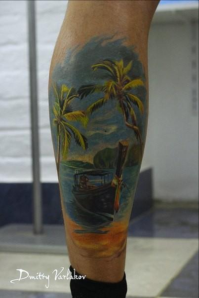 小腿美丽的彩色大海与船纹身图案