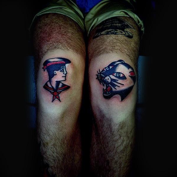 膝蓋插畫風格彩色水手和黑豹紋身圖案