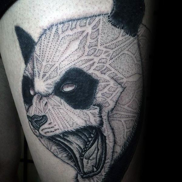 大腿黑色點刺邪惡的貓熊紋身圖案