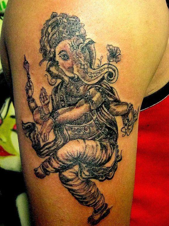 大臂美丽的舞蹈象神纹身图案