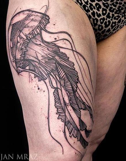黑色线条水母大腿纹身图案