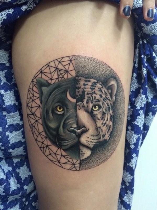 點刺風格大腿黑白色的黑豹和花豹紋身圖案