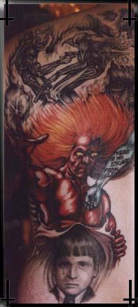 红头发的恶魔与小男孩纹身图案