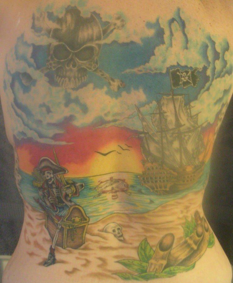 背部海盗主题海滩风景纹身图案