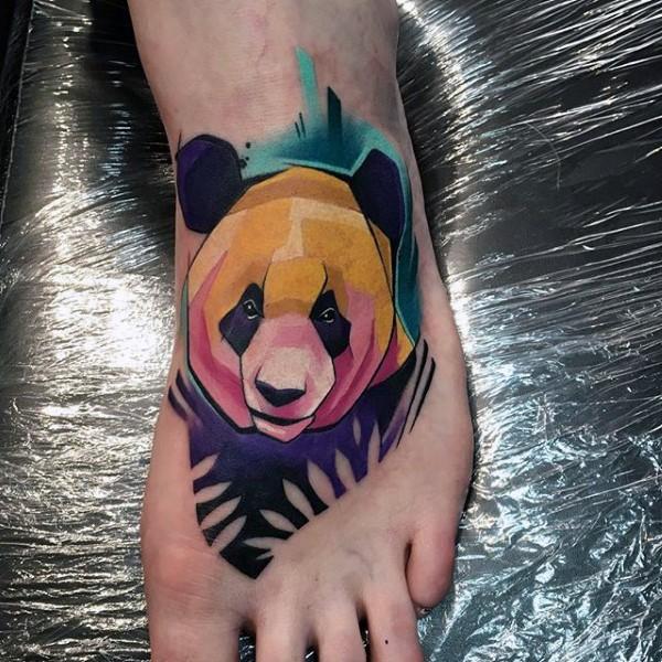 脚背卡通彩色甜美熊猫纹身图案