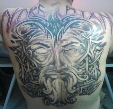 背部盲眼京战士头像纹身图案