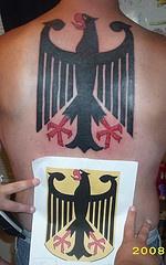 丹麦国旗标志满背纹身图案