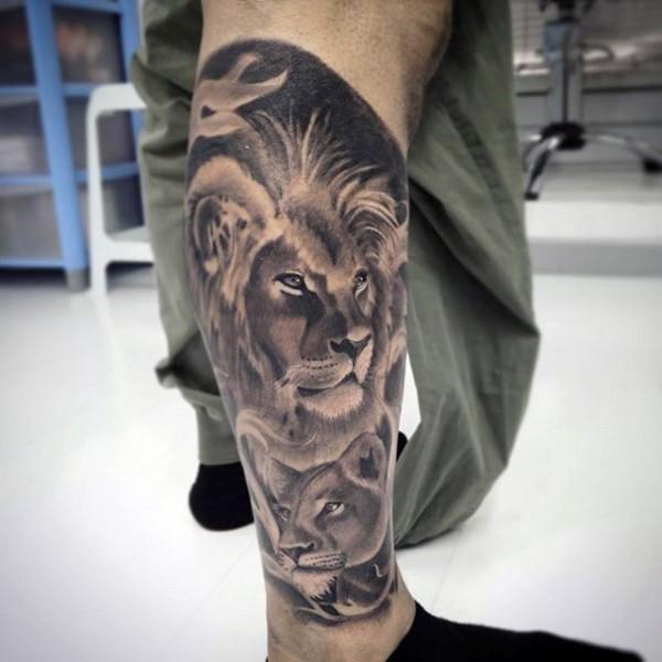 小腿美丽的黑灰风格狮子家庭纹身图案