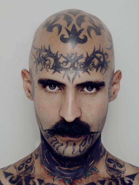 经典环脸花腾纹身