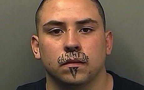奇异个性唇部纹身