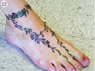 脚部优美花藤纹身