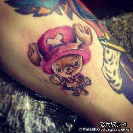 手臂可爱时尚的海贼王乔巴纹身图案